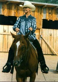 V Nashvillu si Linda nejenom zazpívala, ale také zajezdila na koni