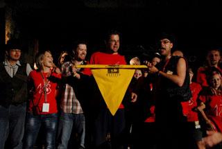 Sundavání vlajky