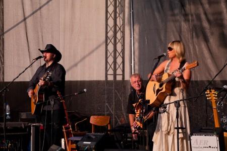 Koncert bratří Nedvědů, jako host vystoupila Věra Martinová. Beroun, 17.6.2012 (Foto: Jiří Konc / CountryWorld.cz)