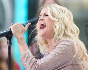 Carrie Underwood na koncertě pro NBC Today Show, Rockefeller Center, New York City, 15. srpna 2012 (Foto: Kent Miller / PR Photos)