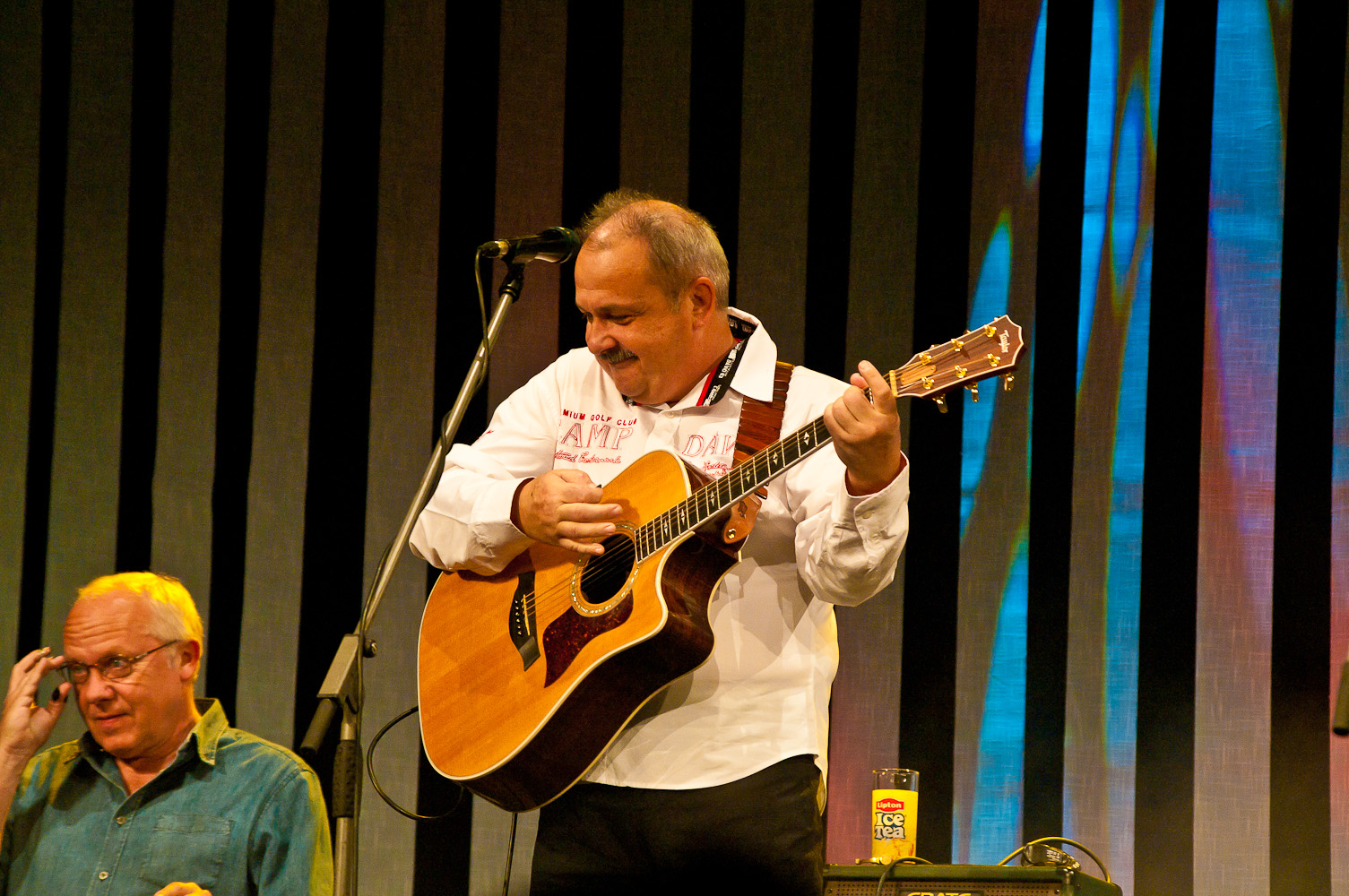 Medard Konopík a Jiří Zima, koncert Honzy Vyčítala a skupiny Greenhorns, Praha, Divadlo ABC 21.10.2012 (Foto: Jiří Konc / CountryWorld.cz)