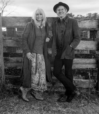 Emmylou Harris a Rodney Crowell (Foto: David McClister / Sacks & Co.)